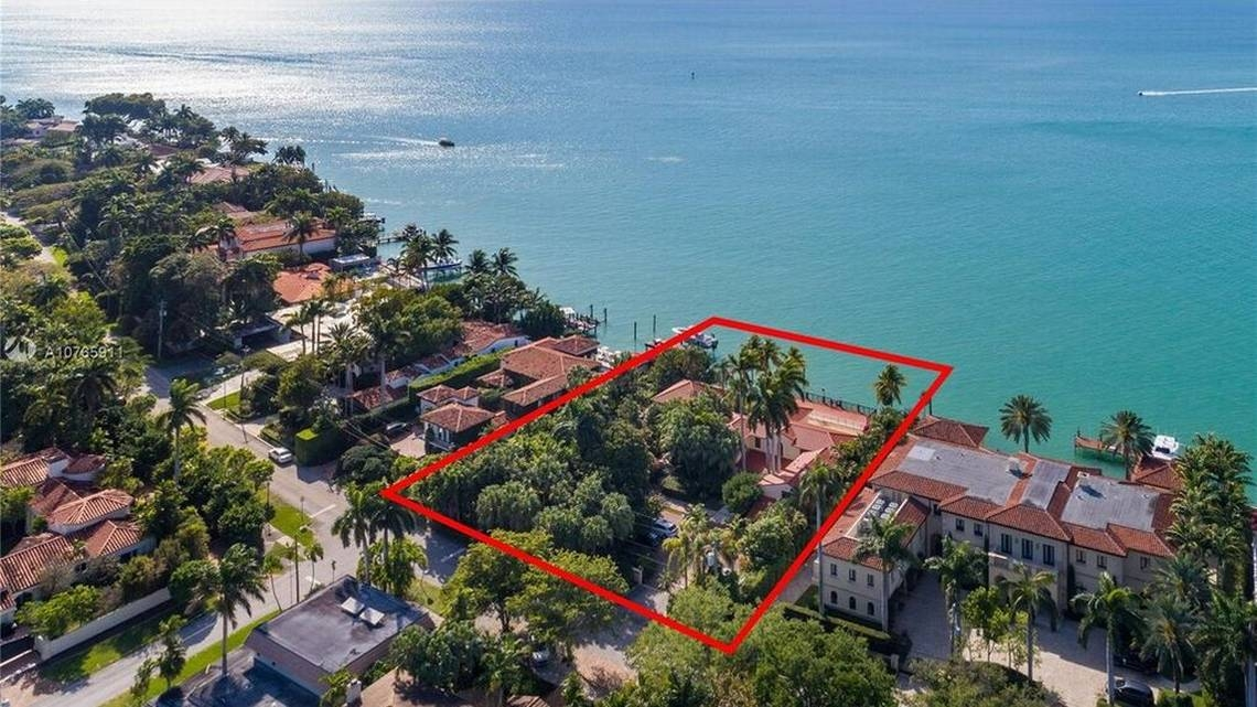 miami waterfront home with red square to show area