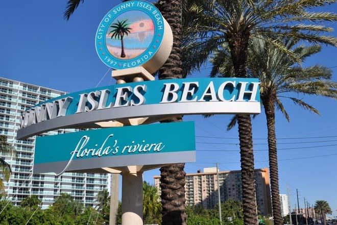 Sunny Isles sign