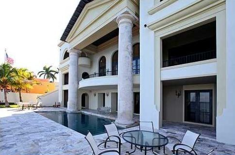 LUXURY HOMES FOR SALE IN COCONUT GROVE