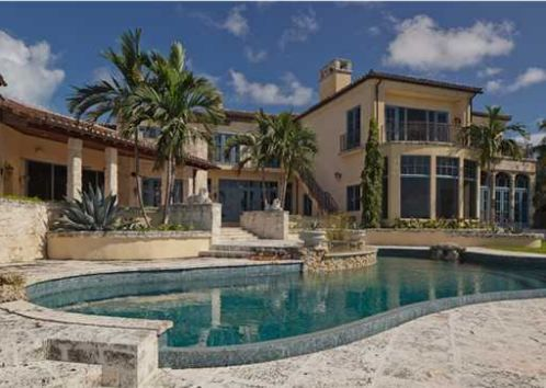 LUXURY HOMES IN CORAL GABLES