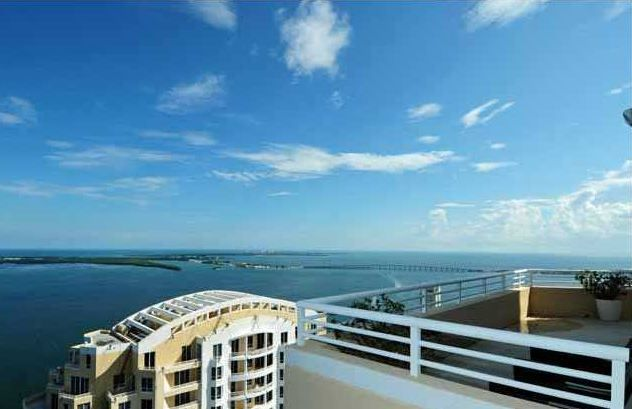 LUXURY CONDOS FOR SALE IN DOWTOWN MIAMI
