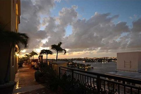 LUXURY CONDOS FOR SALE IN FT LAUDERDALE