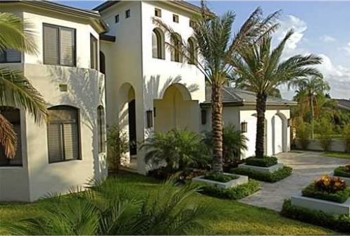 LUXURY HOMES FOR SALE IN HALLANDALE