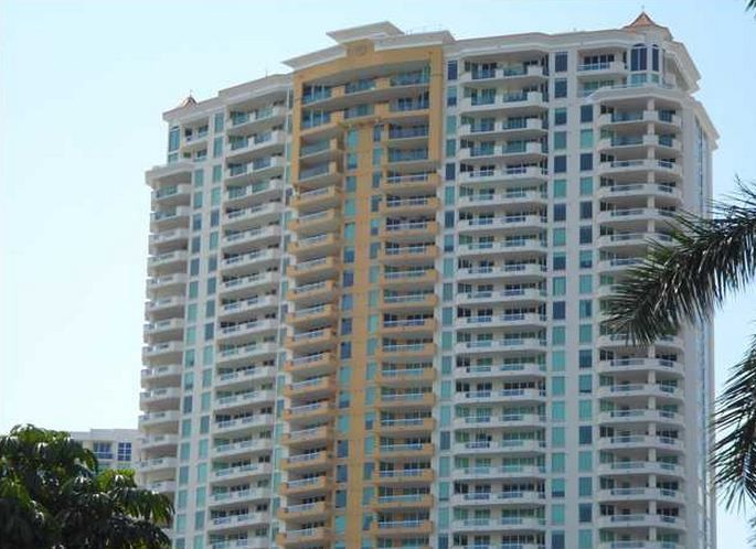 CONDOS FOR SALE AND FOR RENT AT LAS OLAS GRAND CONDO FT LAUDERDALE