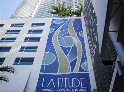 LATITUDE ON THE RIVER CONDO BRICKELL MIAMI