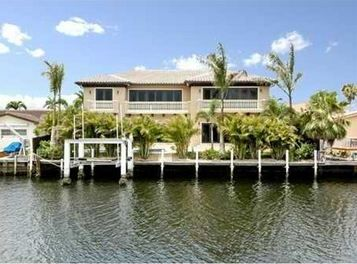 LUXURY HOMES FOR SALE IN NORTH MIAMI BEACH
