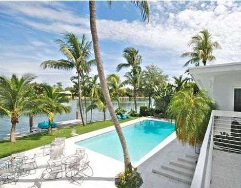 LUXURY HOMES FOR SALE IN SURFSIDE