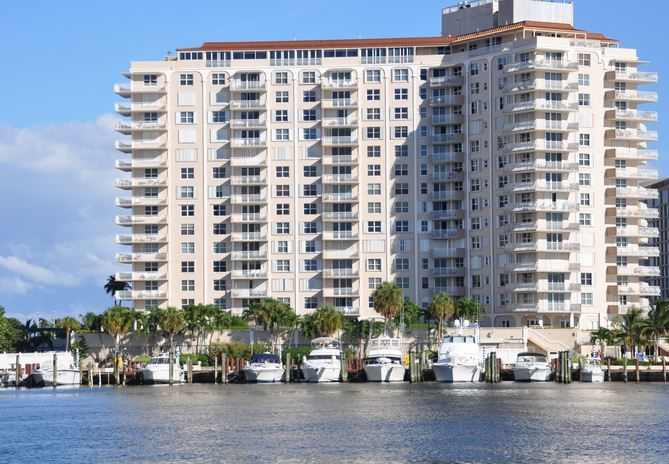 CONDOS FOR SALE AND FOR RENT AT VENETIAN CONDO FT LAUDERDALE