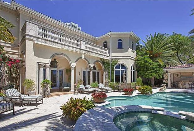 Luxury homes for sale in Aventura