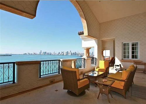LUXURY CONDOS FOR SALE IN FISHER ISLAND