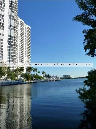 Mystic Pointe Aventura Real estate