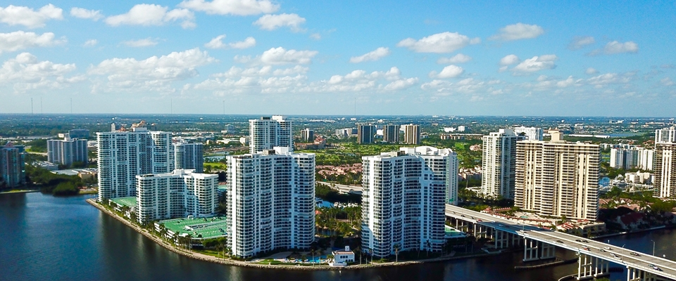 Aerial of Mystic Pointe Aventura with a view of Sunny Isles as well
